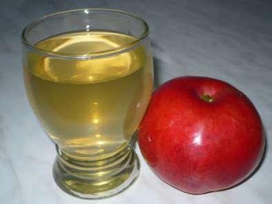 Remediu naturist pentru varice cu oțet și roșie verde - Doza de Sănătate