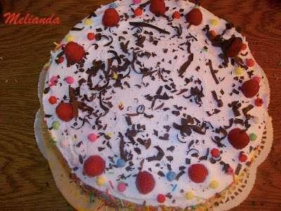 Tort cu capsuni si iaurt