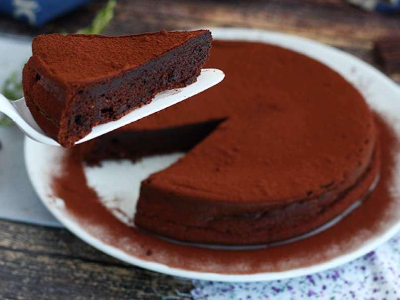 Tort mousse de ciocolată
