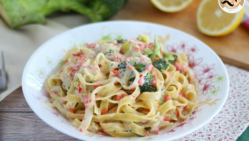 One pot pasta - Tagliatelle cu somon si broccoli